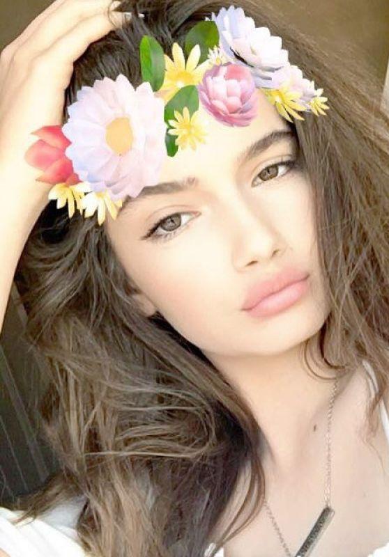 Alexis Jayde Burnett Social Media Pics 05/28/2017