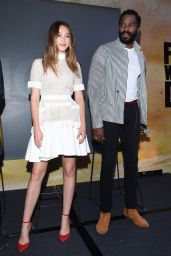 "Alycia Debnam Carey - ""Fear the Walking Dead"" TV Show Photocall in Mexico City 05/30/2017"