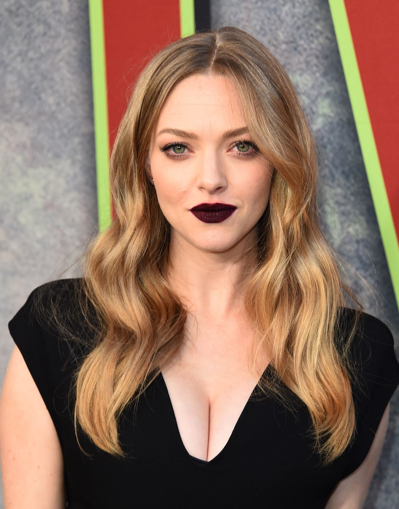 Amanda Seyfried Latest Photos Celebmafia