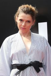 Amy Seimetz at Sir Ridley Scott Hand and Footprint Ceremony in Hollywood 05/17/2017