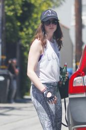 Anne Hathaway in Workout Gear - West Hollywood, CA 05/19/2017