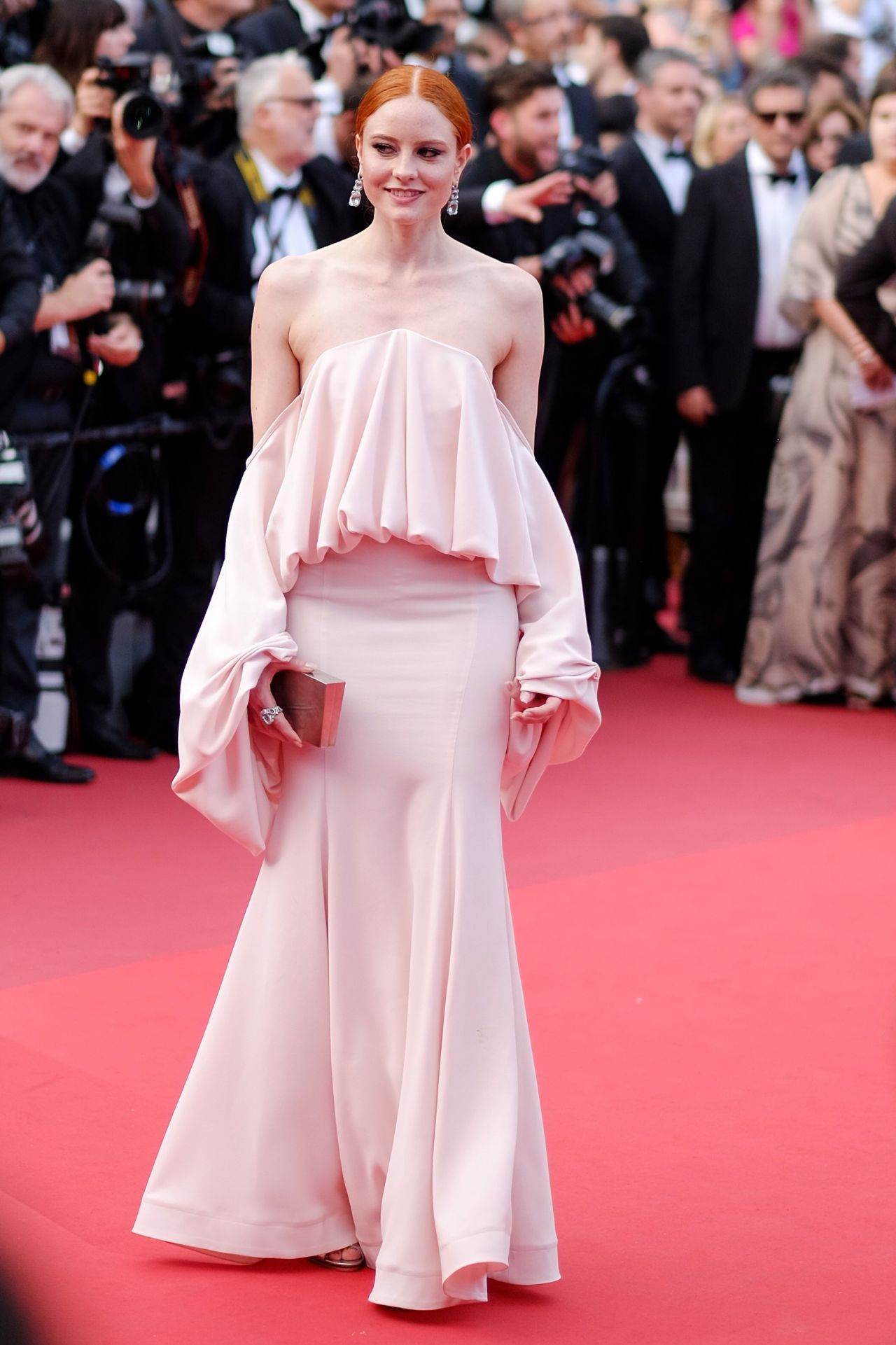 Cannes 2017 Heidi Klum Continues A Cannes Tradition In: Barbara Meier At 70th Anniversary