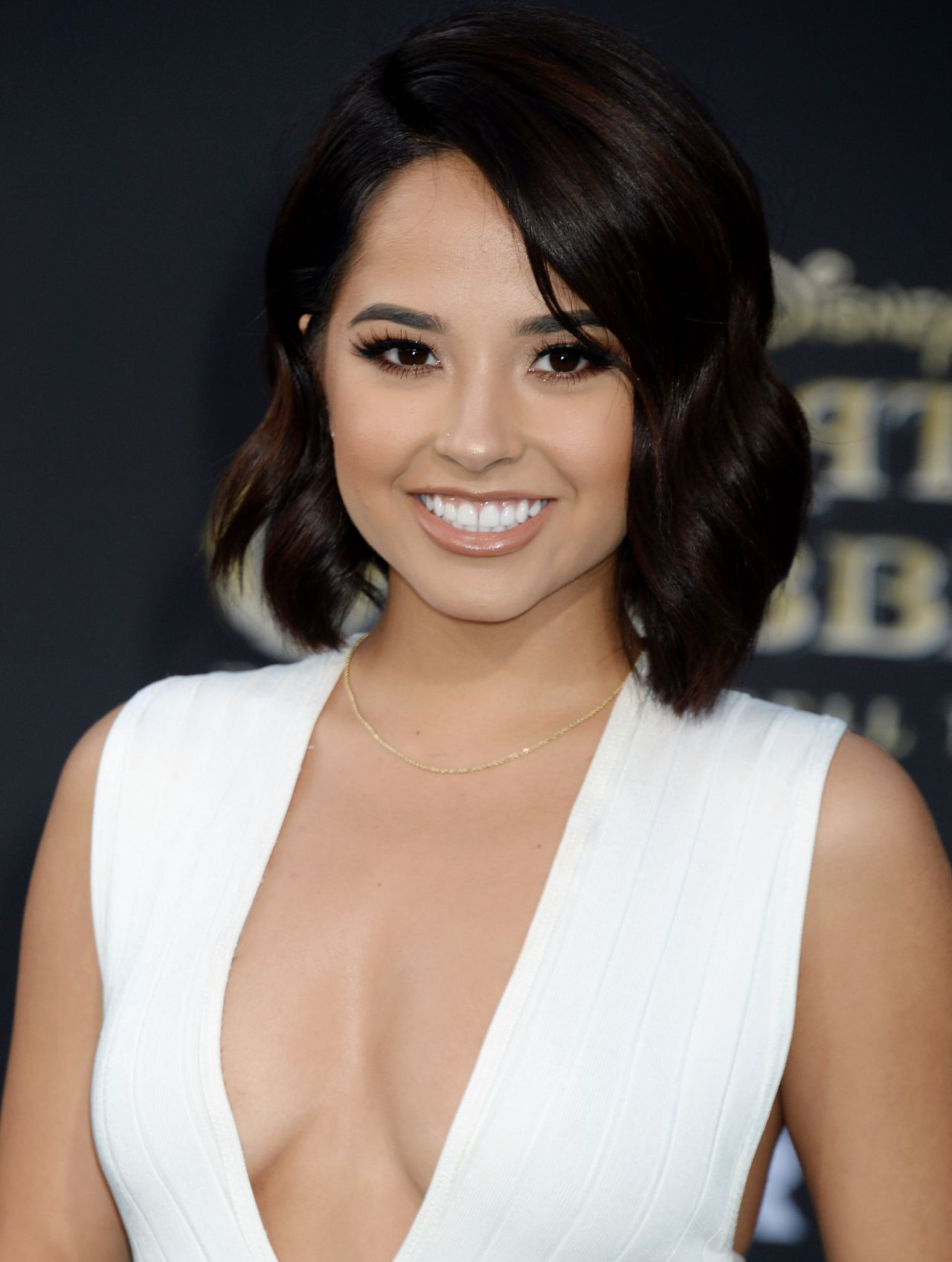 Becky G Pirates Of The Caribbean Dead Men Tell No