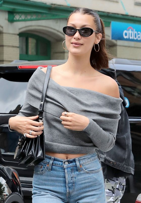 Bella Hadid Casual Style - Out for Lunch at Bubby