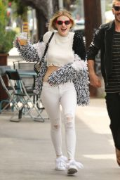 Bella Thorne Casual Style - North Hollywood, 05/08/2017
