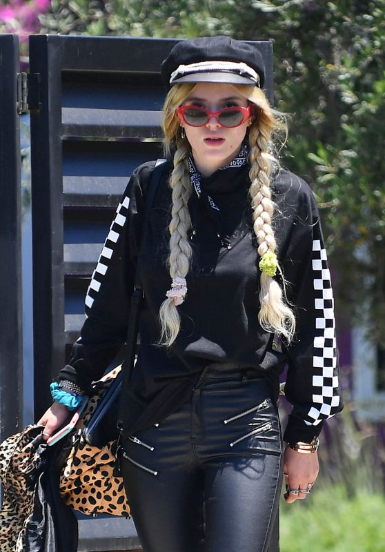 Bella Thorne - Out in Los Angeles 05/22/2017