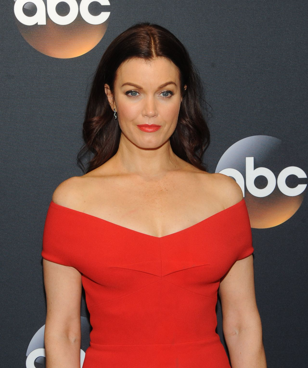 Bellamy Young Nude Photos 17
