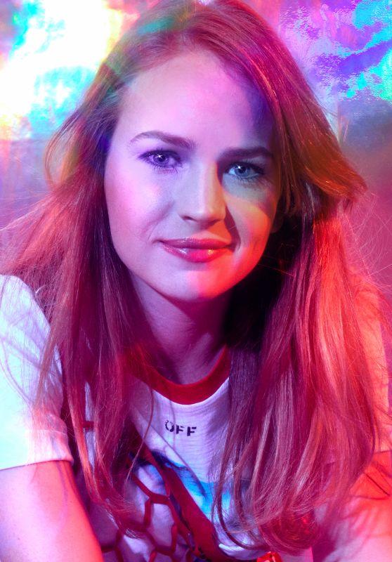 Britt Robertson - Bustle May 2017 Photoshoot