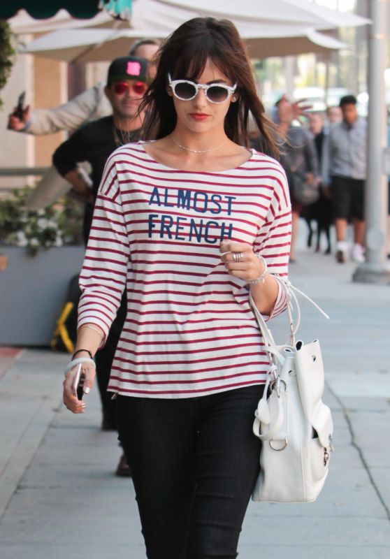 Camilla Belle Street Fashion - Shopping in Beverly Hills 05/12/2017