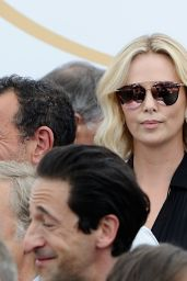 Charlize Theron at 70th Anniversary Photocall – Cannes Film Festival 05/23/2017