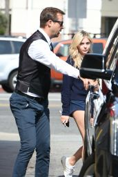 Chloe Grace Moretz - Goes by Limo to CVS in Los Angeles 05/17/2017