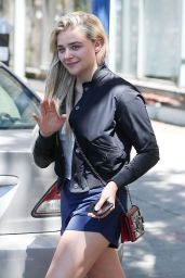 Chloe Grace Moretz is All Smiles - Leaves Yoga Class in West Hollywood 05/23/2017