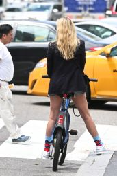 Chloe Sevigny - Riding a CitiBike Around the West Village in NYC 05/28/2017