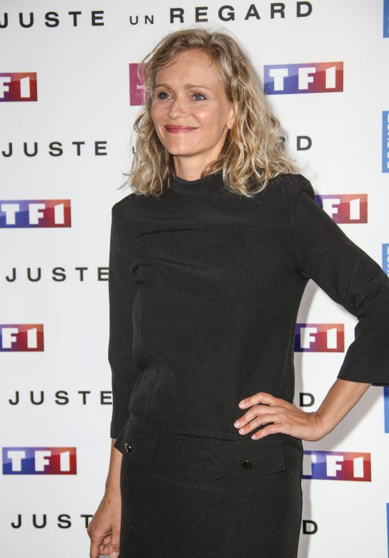 "Claire Borotra – ""Just One Look"" TV Show Photocall in Paris 05/11/2017"