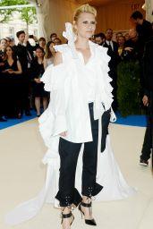Claire Danes at MET Costume Institute Gala in New York 05/01/2017