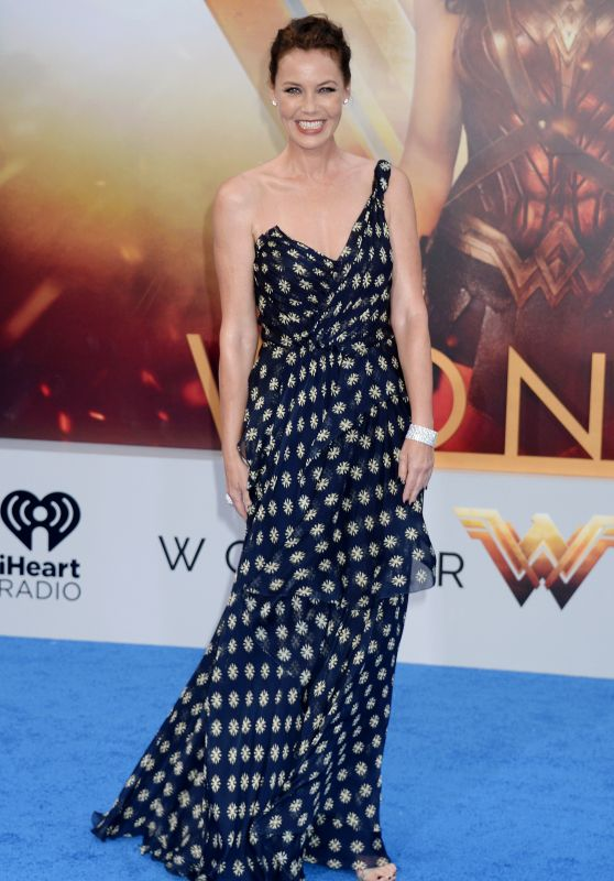 "Connie Nielsen on Red Carpet – ""Wonder Woman"" Movie Premiere in Los Angeles 05/25/2017"