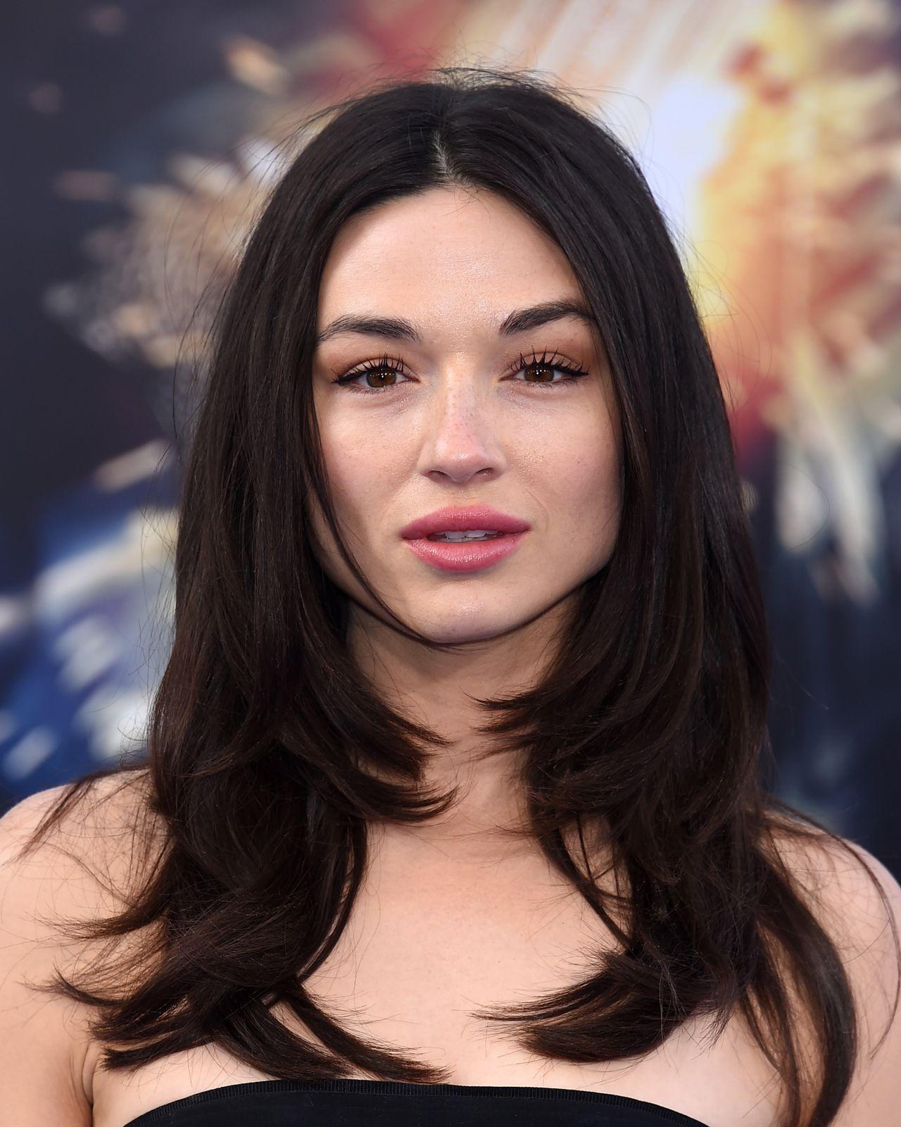 Crystal Reed On Red Carpet Wonder Woman Movie Premiere In Los