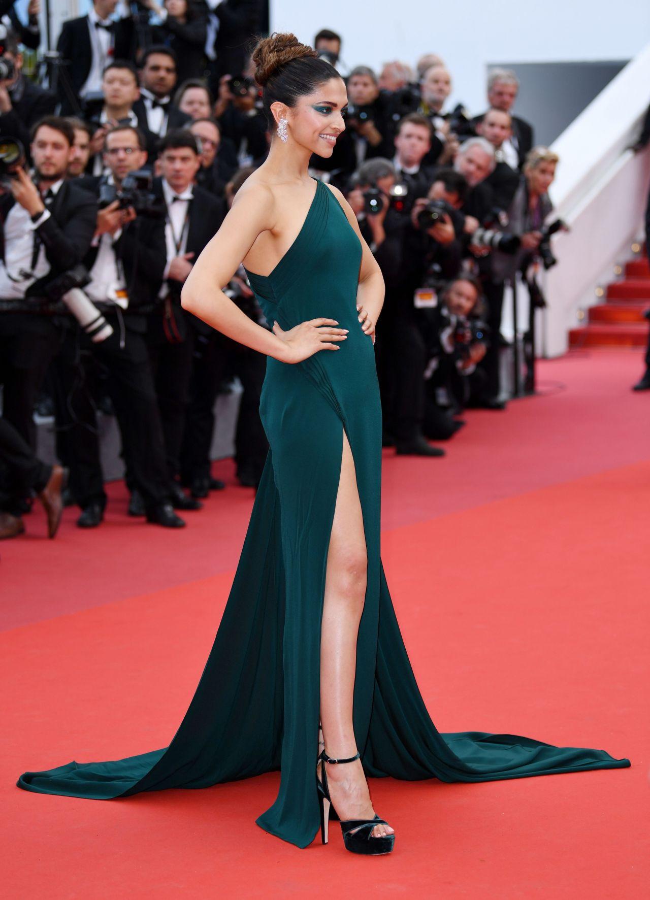 Deepika Padukone Loveless Quot Premiere At Cannes Film