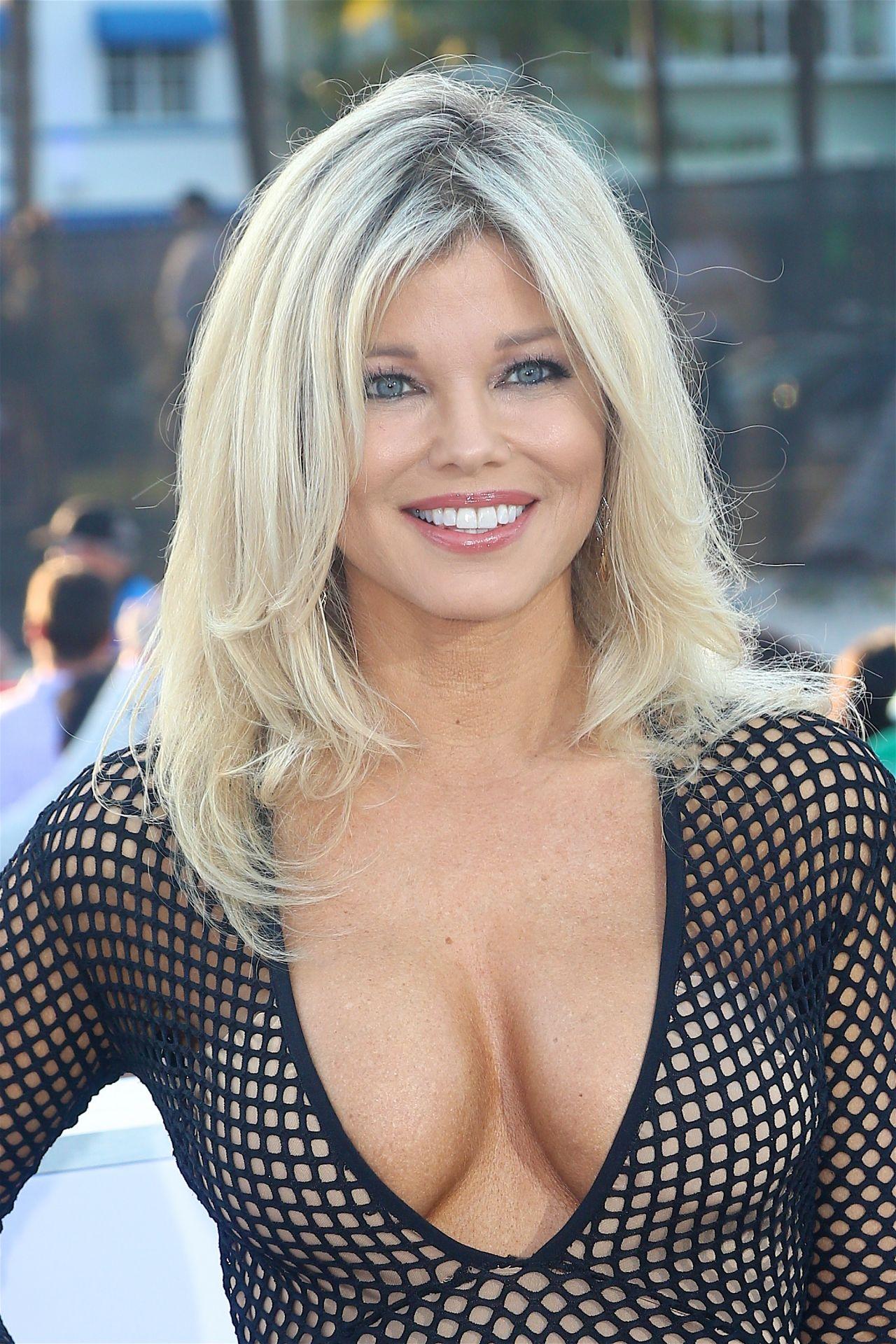 Donna D?Errico Nude Photos 91