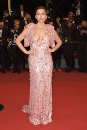 "Elizabeth Olsen on Red Carpet – ""The Square"" Screening at Cannes Film Festival 05/20/2017"