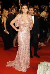 "Elizabeth Olsen on Red Carpet – ""The Square"" Screening at Cannes Film Festival 05/20/2017"