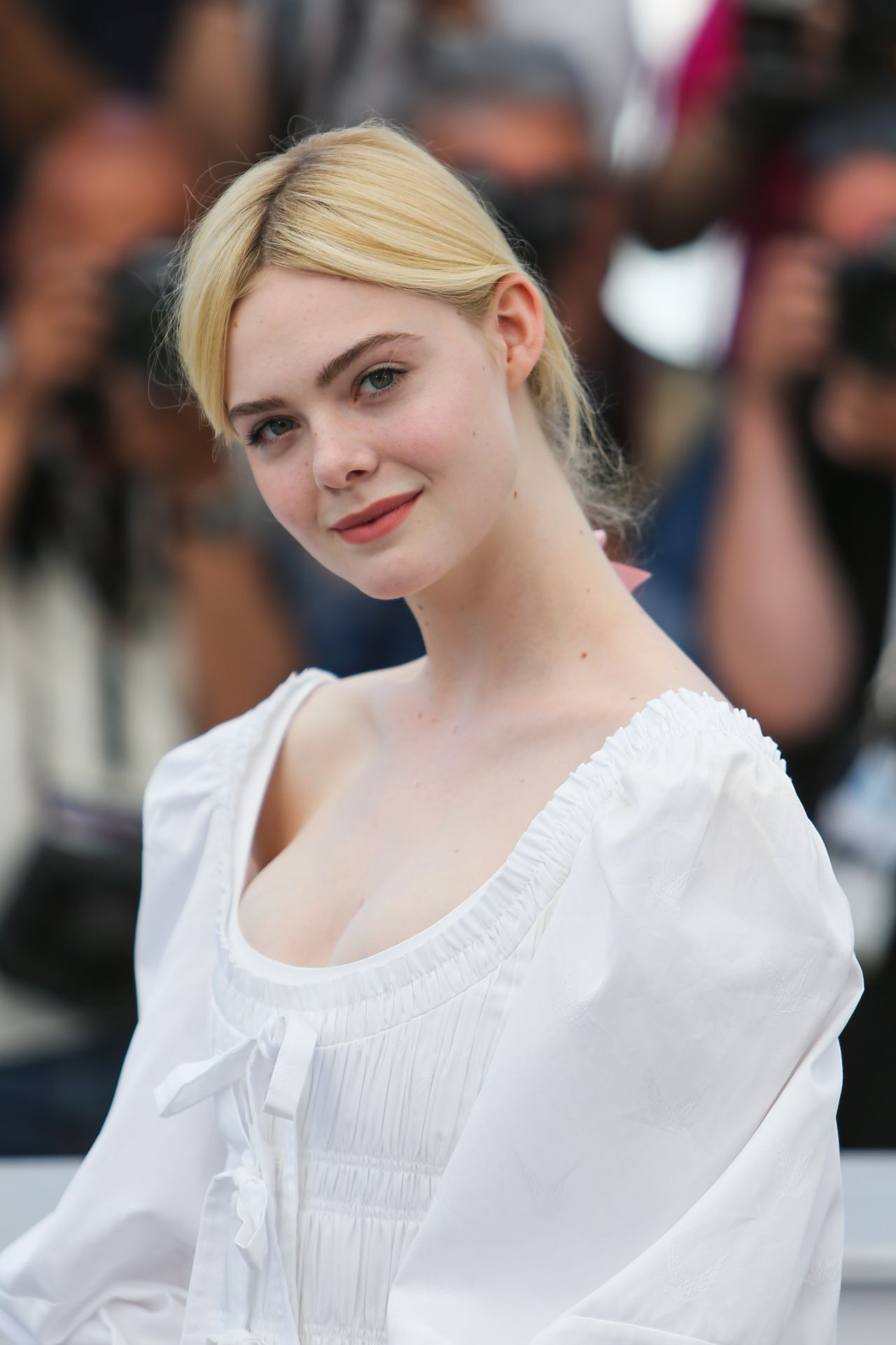 Elle Fanning The Beguiled Photocall At Cannes Film