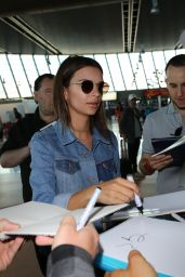 Emily Ratajkowski - Leaving Nice Airport 05/19/2017