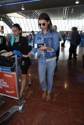 Emily Ratajkowski - Leaving Nice Airport 05/19/2017