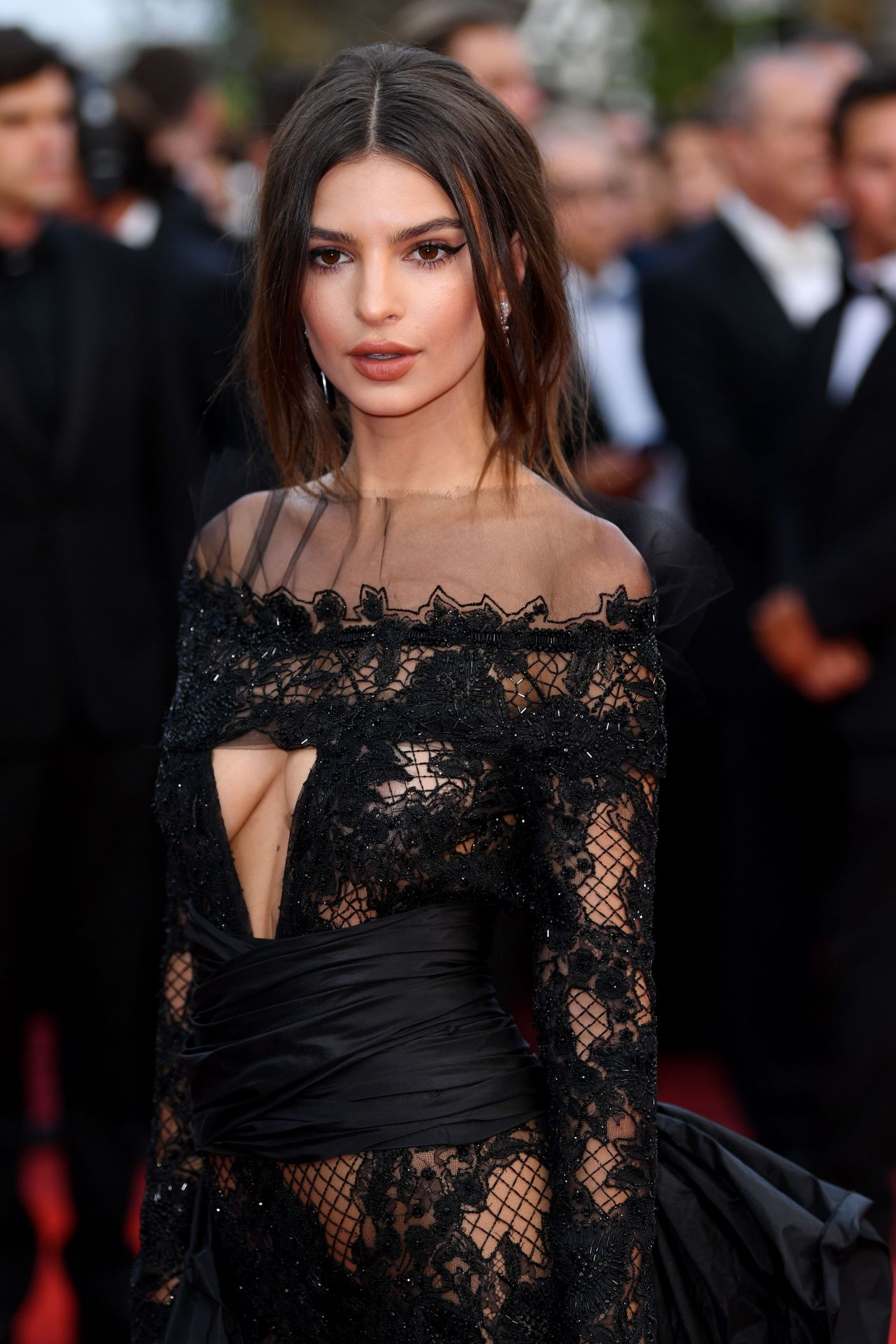 Emily Ratajkowski On Red Carpet Quot Loveless Premiere At