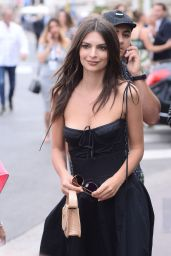 Emily Ratajkowski - Walking the Croisette in Cannes 05/18/2017