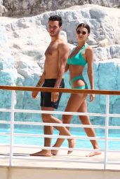 Emily Ratajkowski Wearing a Bikini at the Eden Roc Hotel in Cannes 05/17/2017