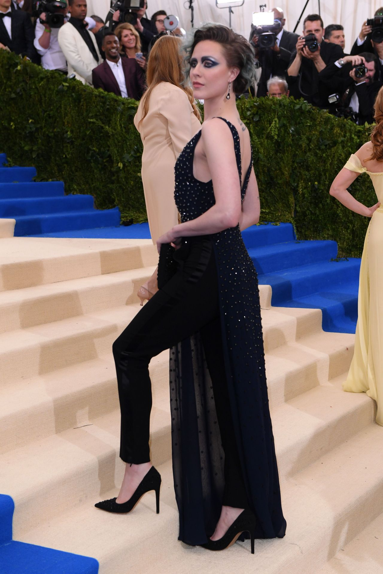 Evan Rachel Wood At Met Gala In New York 05 01 2017