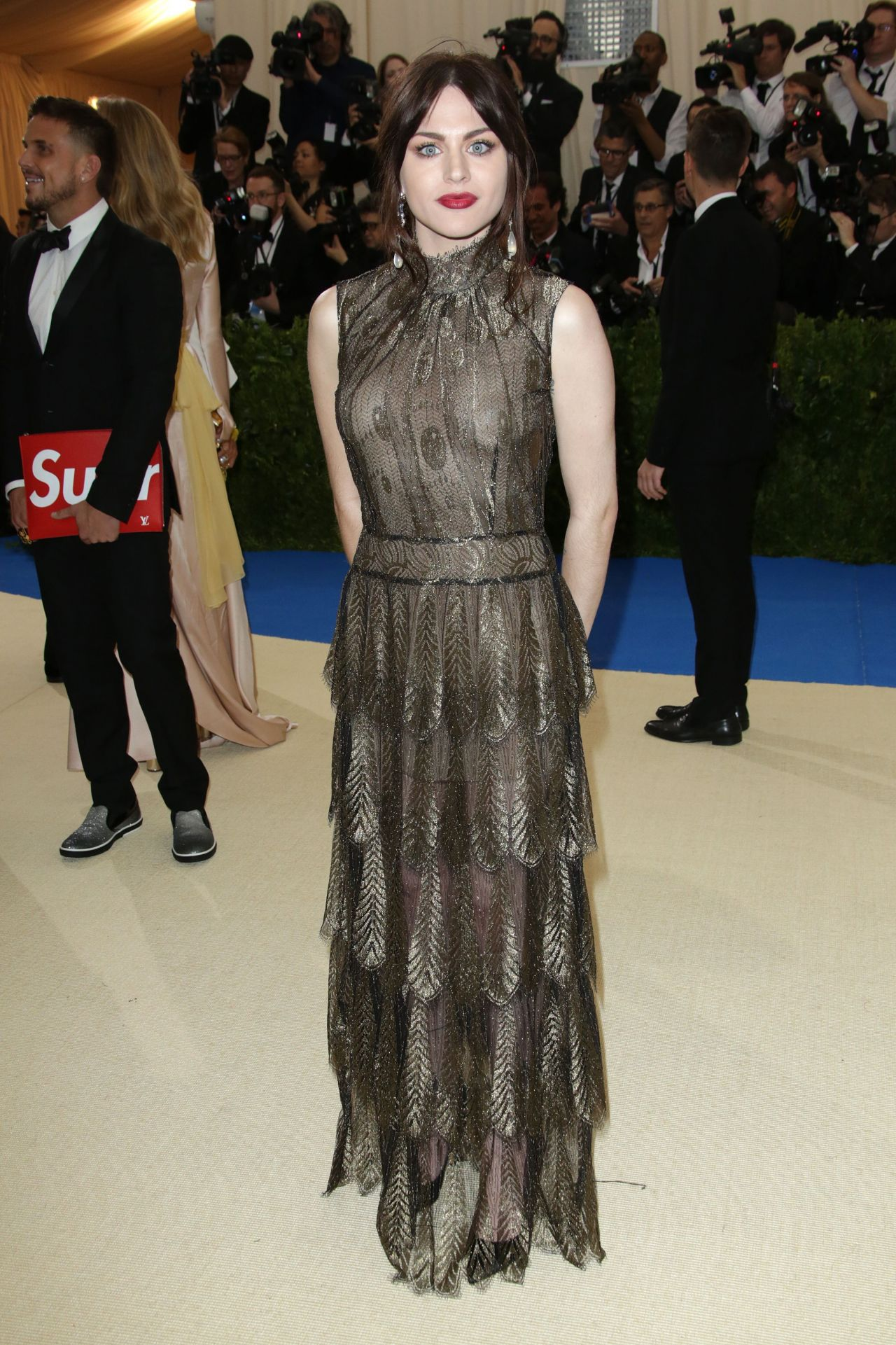 Frances bean cobain at met costume institute gala in new york naked (68 photo), Selfie Celebrites picture
