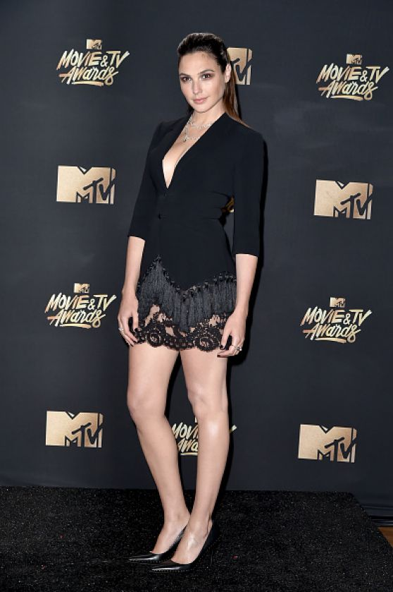http://celebmafia.com/wp-content/uploads/2017/05/gal-gadot-mtv-movie-and-tv-awards-in-los-angeles-05-07-2017-5.jpg