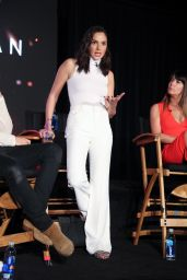 "Gal Gadot - ""Wonder Woman"" Press Conference in Culver City 05/21/2017"