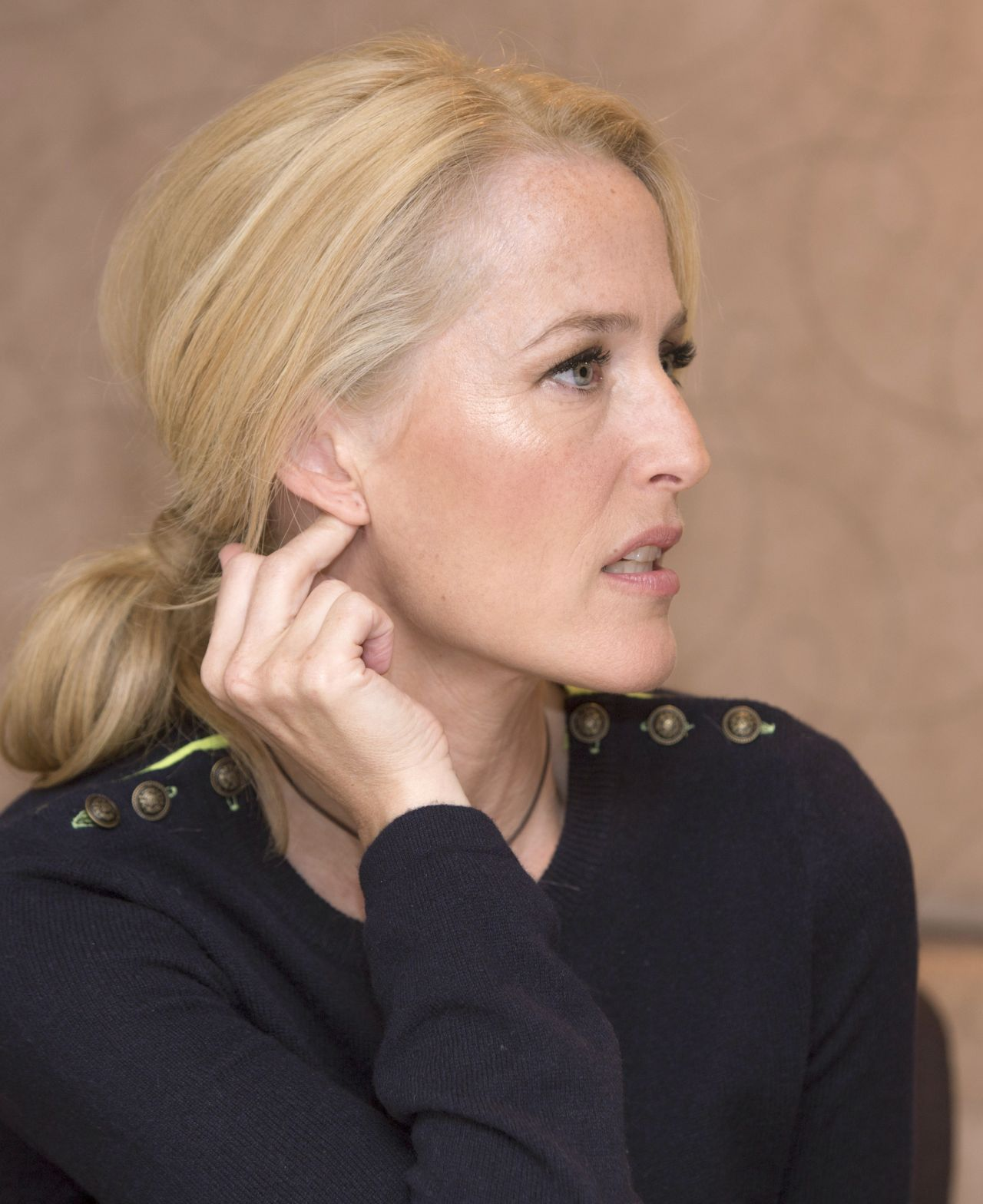 Gillian Anderson Quot American Gods Quot Press Conference In