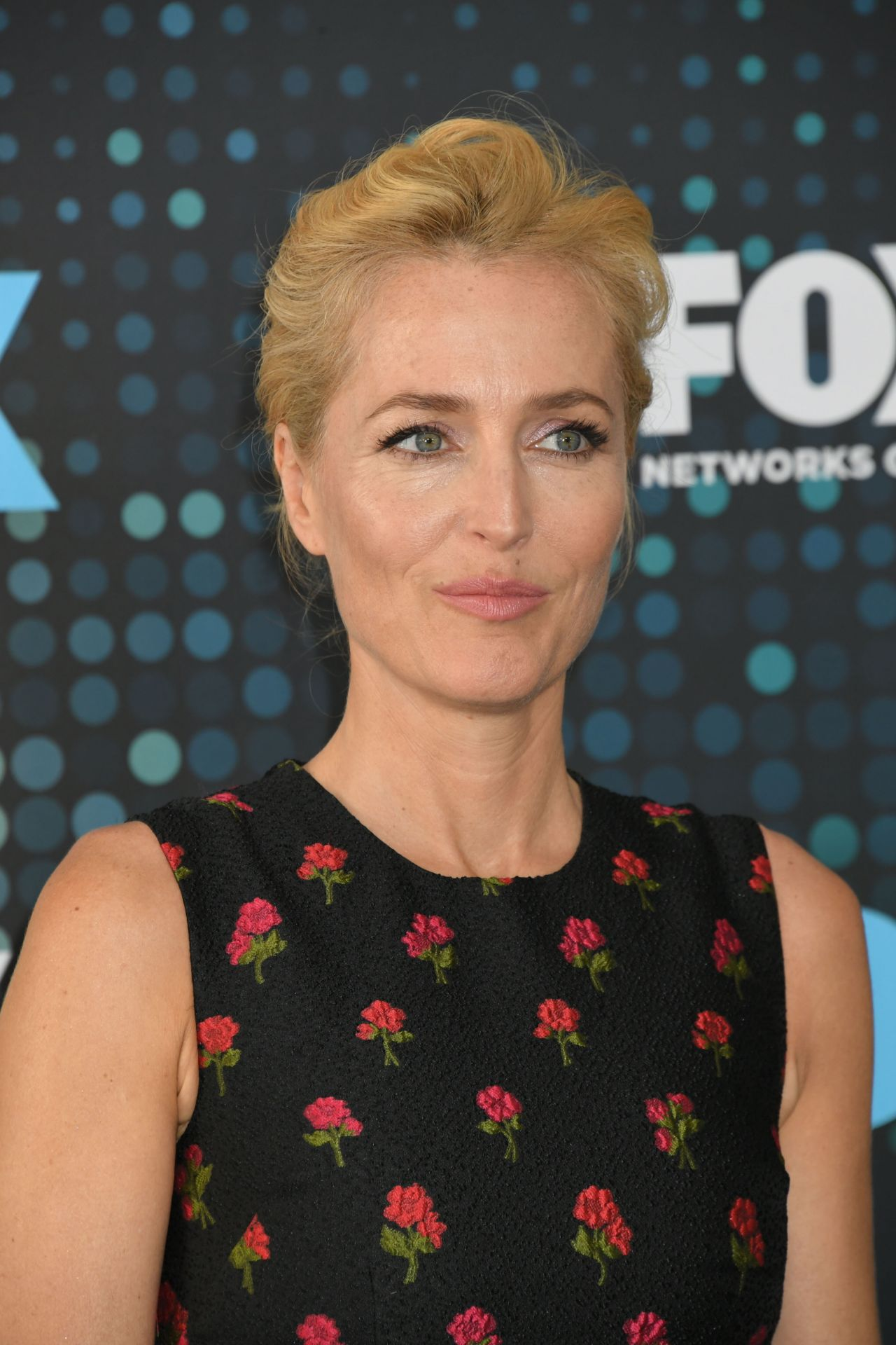 Gillian Anderson Fox Upfront Presentation In Nyc 05 15 2017