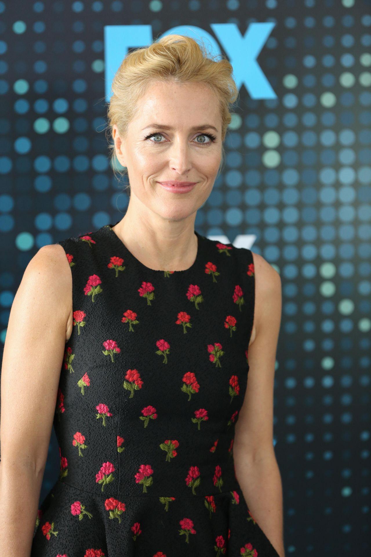 Gillian Anderson Fox Upfront Presentation In Nyc 05 15 2017