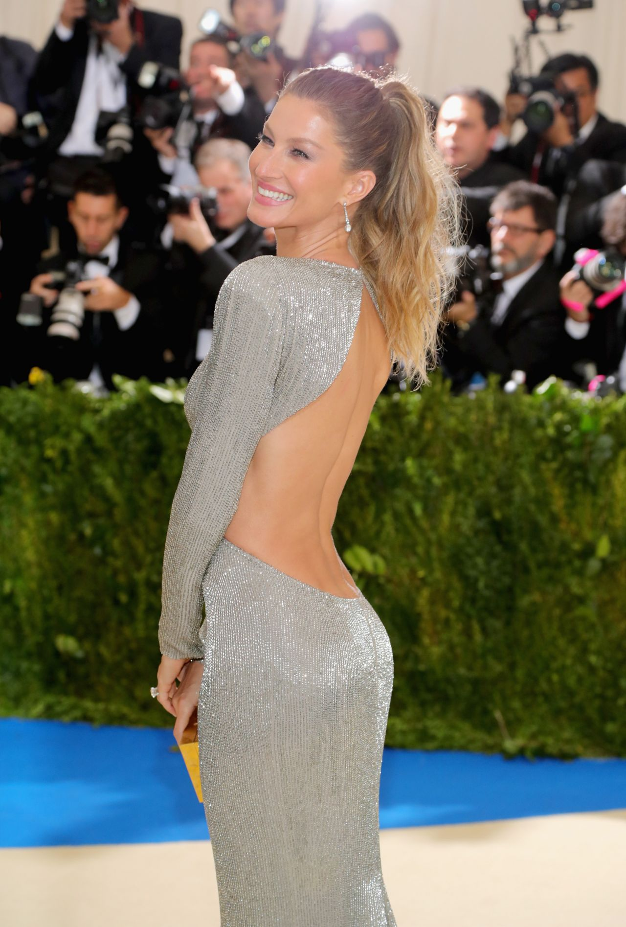 Gisele Bundchen – MET Gala at The Metropolitan Museum of ...