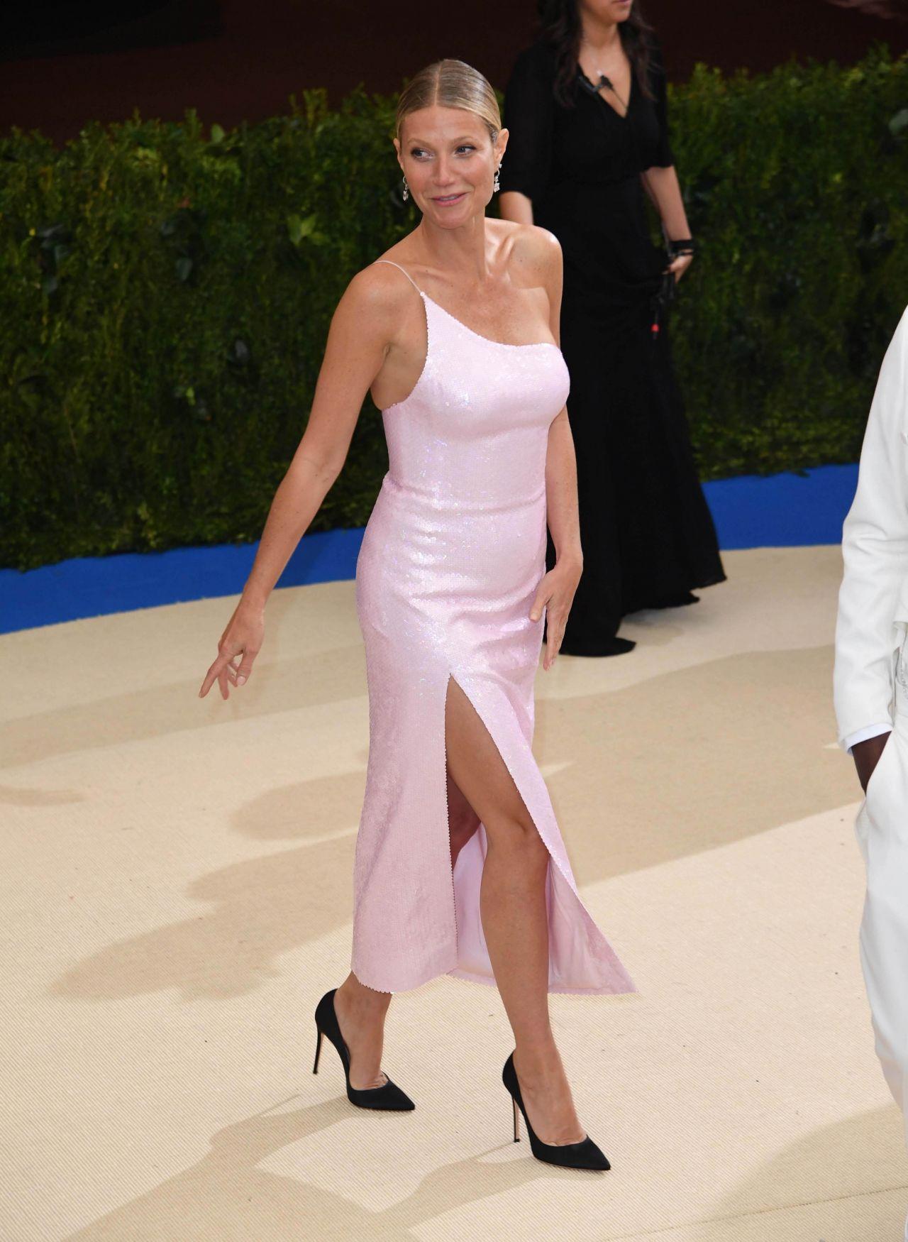 Gwyneth Paltrow At Met Gala In New York 05 01 2017