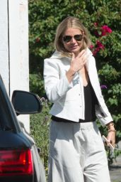 Gwyneth Paltrow Casual Style - Out in Los Angeles 05/19/2017