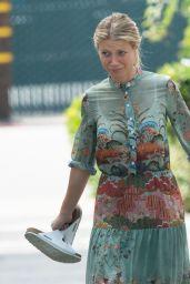 Gwyneth Paltrow Walking With a Soft Cast on Her Right Leg in LA 05/26/2017