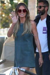"Heidi Klum Shows Off Her Long Legs - Visiting ""EXTRA Today"" in LA 05/01/2017"