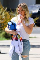 Hilary Duff in Ripped Jeans - Went to Lunch With ex Mike Comrie in Studio City 05/03/2017