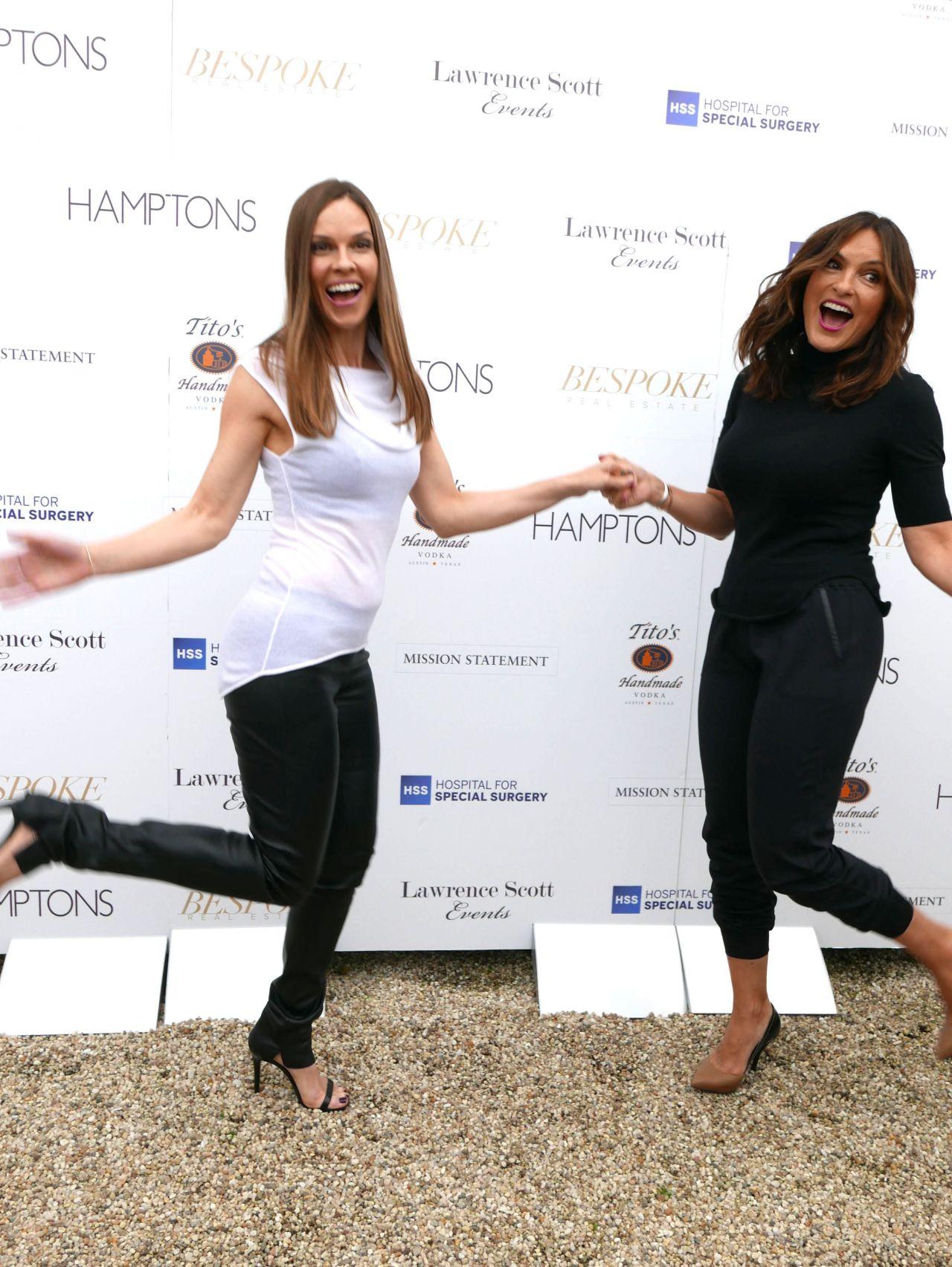 Hilary Swank Amp Mariska Hargitay Hamptons Magazine