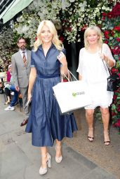 Holly Willoughby - Leaving The Ivy Restaurant in London 05/23/2017