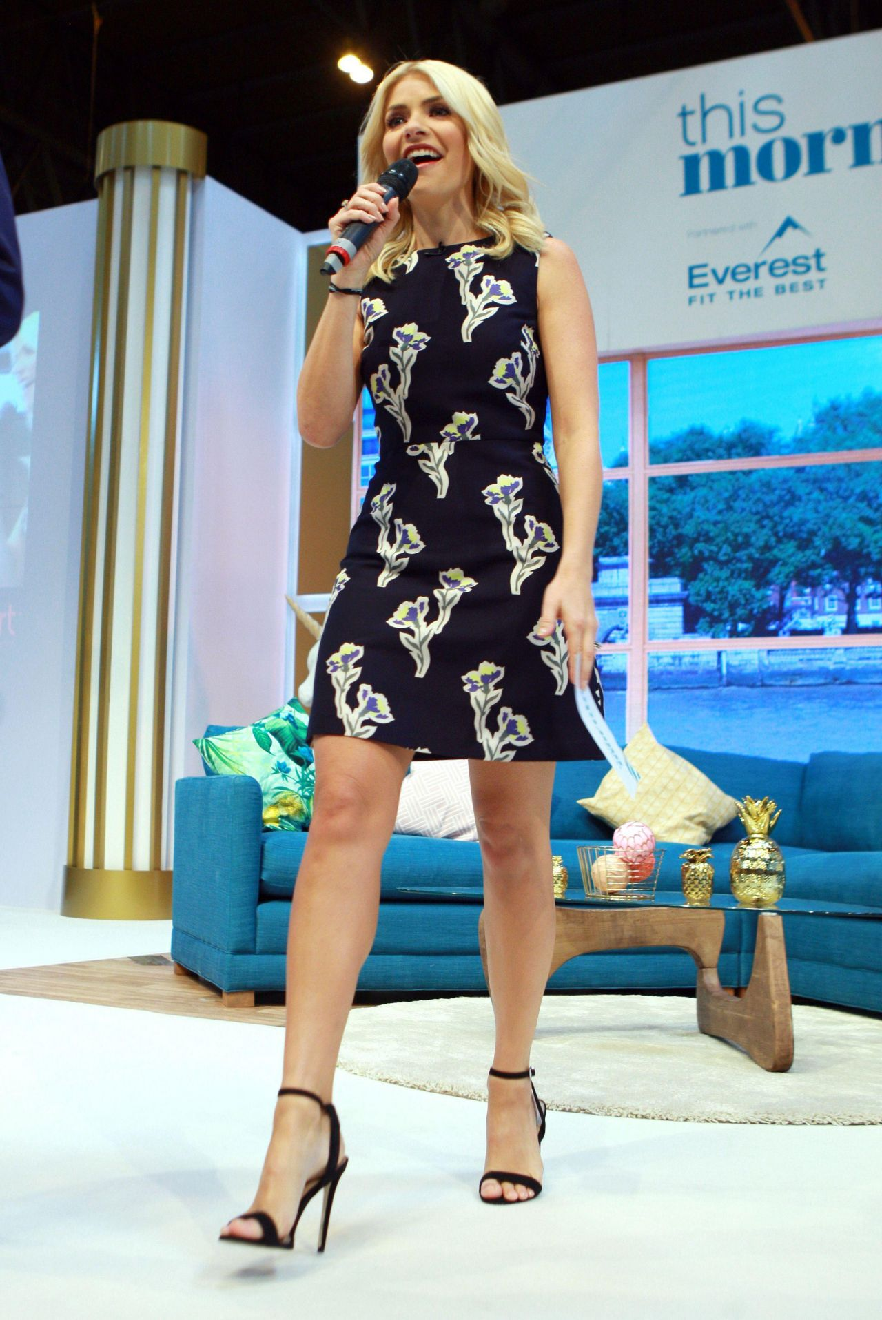 Holly Willoughby This Morning Live Event In Birmingham