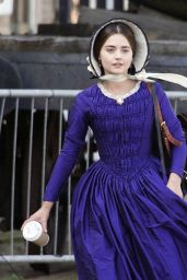 """Jenna Coleman Dressed in Character - Filming the ITV drama """"Victoria"""" in Hartlepool 05/10/2017"""