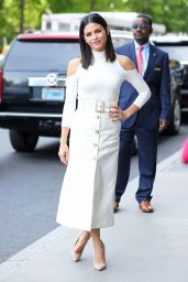 Jenna Dewan Tatum Looks Stylish - New York City 05/16/2017