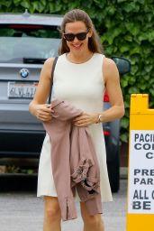 Jennifer Garner Fashion Style - Pacific Palisades 05/14/2017